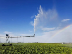 未来农业的无人农场:不仅仅是机器替代农民,更是农业产业链升级!